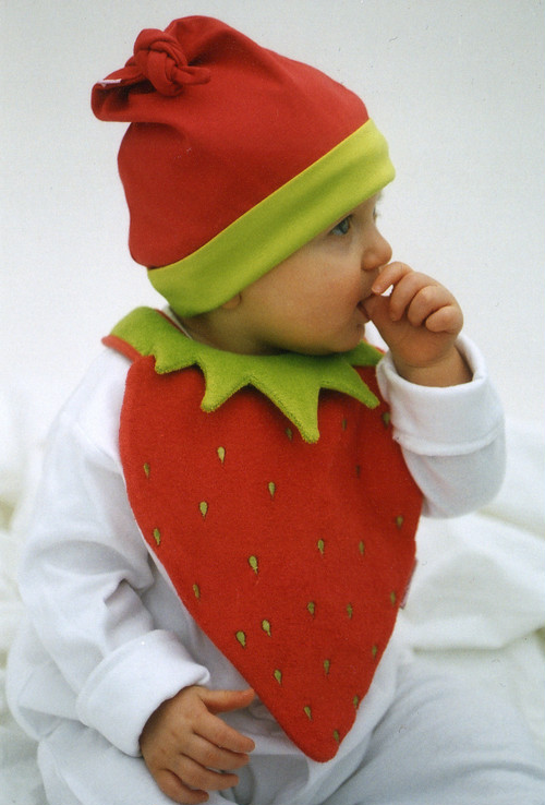 Bib very berry
