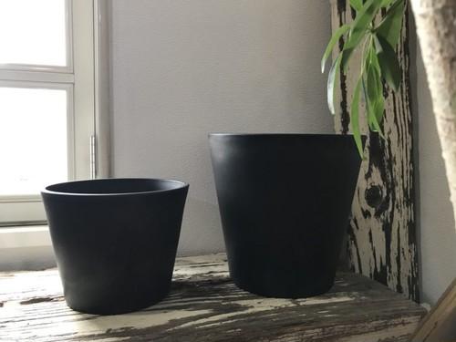 プラ鉢  ポット W25.5×H20(cm)  ブラック / プラスチック 黒  植木鉢
