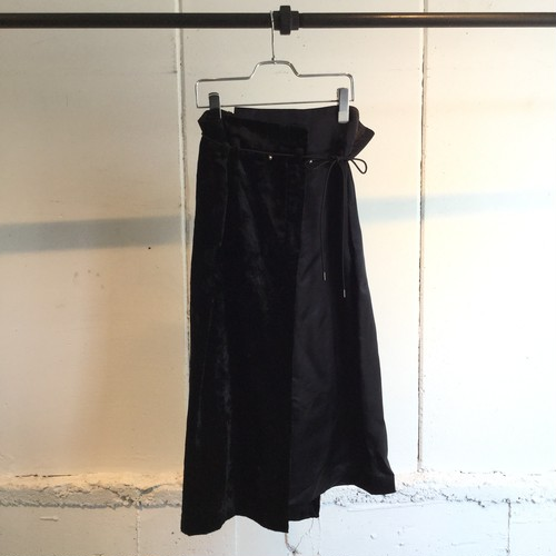PONTI   CRUSH VELVET SKIRT