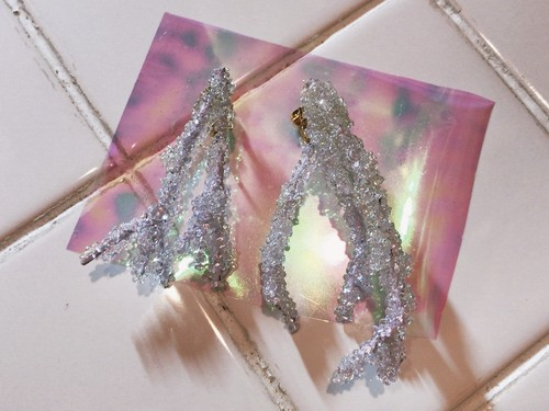 camouflage grass tree earring K
