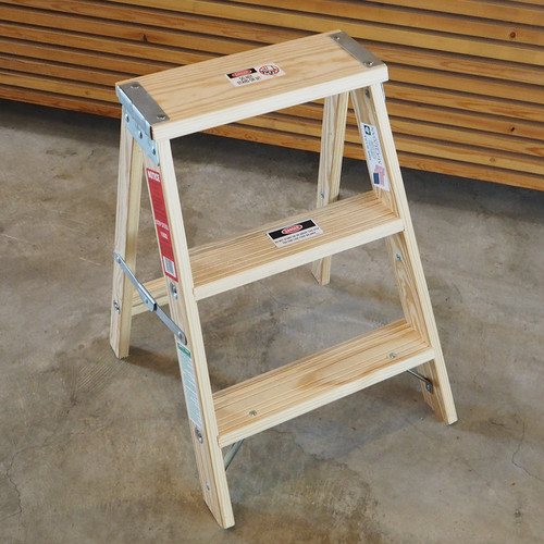 "MICHIGAN LADDER COMPANY Wood Step Ladder ""2feet"""