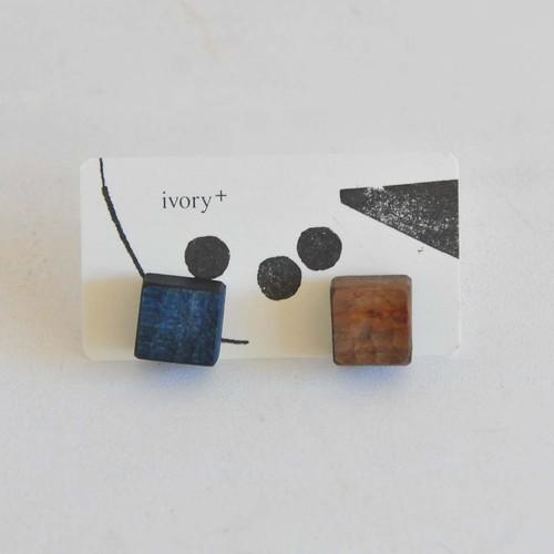 安藤由紀 お菓子なピアス 藍染+草木染め(066)