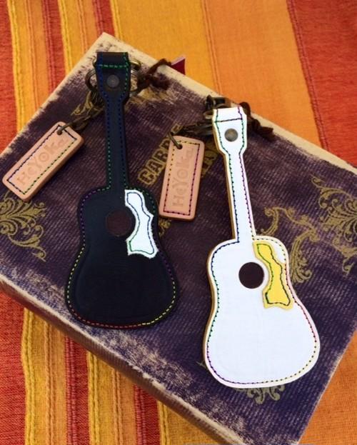 キーホルダー(アコースティックギター)