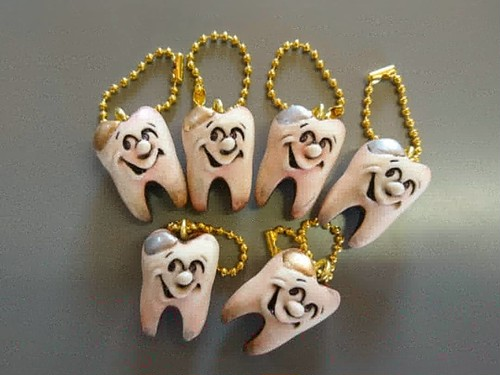 コピー:tooth key chain 「face」