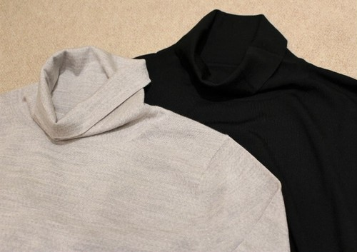 Vandori Turtle Neck Knit