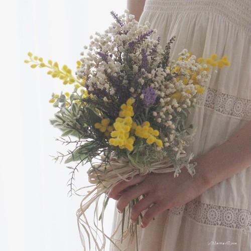ラスティックかすみ草とガーデンラベンダーとミモザのフロッキーブーケ・スワッグ&花冠&ブートニア