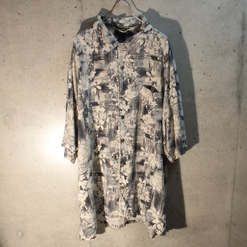 Silk Flower Design Monotone Shirt