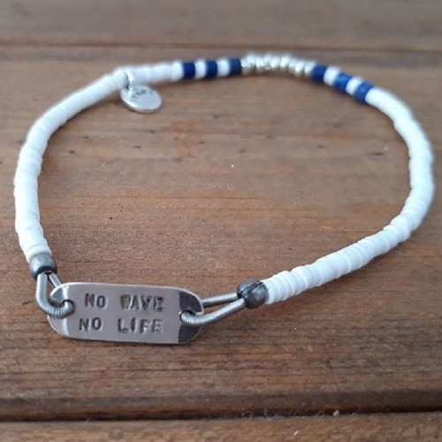 NO WAVE NO LIFE / Shell Bracelet  by DYANI
