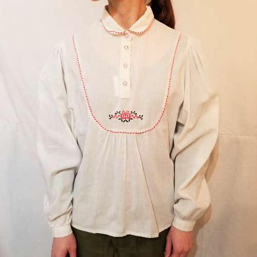 Piping&cross stitch pullover blouse [IK-99]