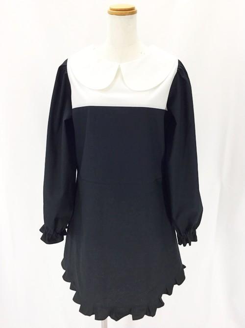 上品で可愛いモノトーンの洗練スタイル。美シルエットの丸襟リトルブラックドレス 一点もの 手作り Aライン 通勤 通学 裾フリル 万能