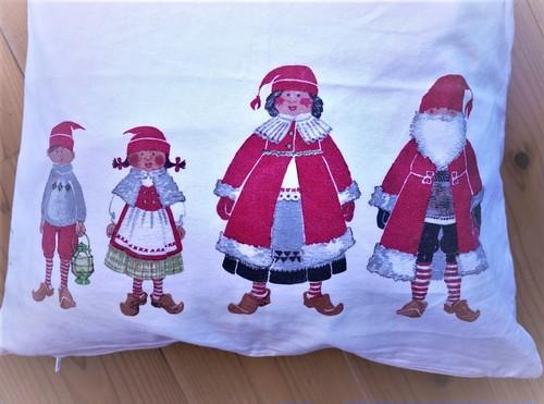 サンタ柄クッションカバー  IKEA  クリスマス柄  USED