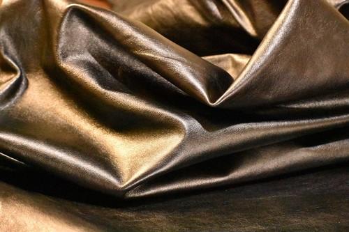【アウトレット】衣類、鞄に最適!!染色素揚げ仕上げソフトクロム鞣し牛革