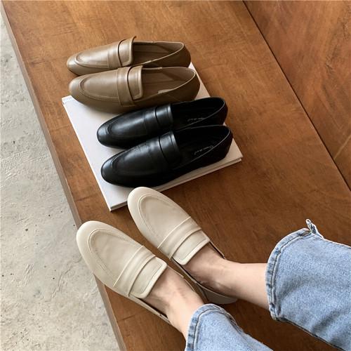 ラウンドトゥシンプルローファー 革靴 ラウンドトゥ ローヒール 合皮 革 黒 ブラック カーキ 白 ホワイト カジュアル フォーマル 韓国