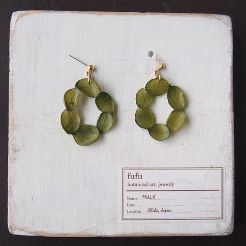 オーバル花環(緑)耳飾り