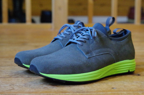 "united lot LV12-B Service Shoes  ""Vibram FastTrail Sole"""