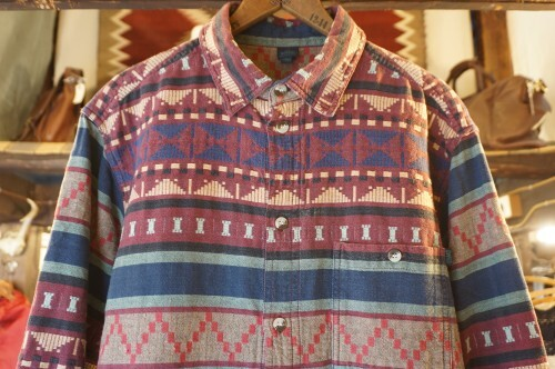 80's DW SHOP red tribal woven Shirt