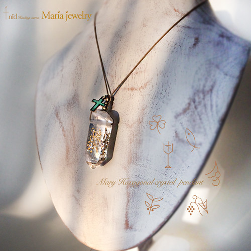 Maria Jewelry ・Hexagonal crystal Pendant