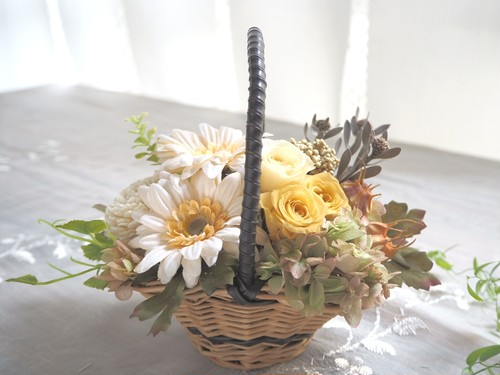 Panier de Jaune Antique * ガーベラの花かご ナチュラルアレンジ プリザーブドフラワー 花