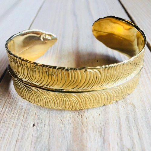Big feather bangle   Brass