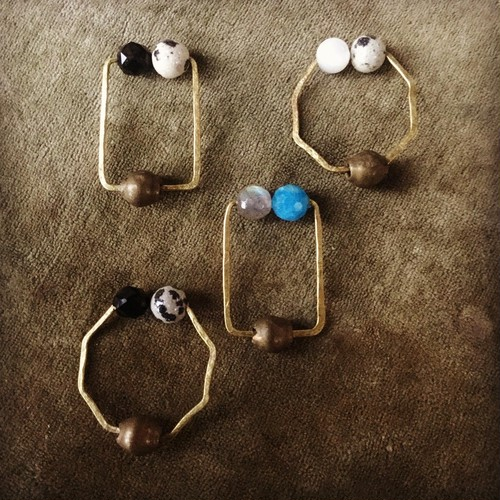 Owly.original earrings (多角形)