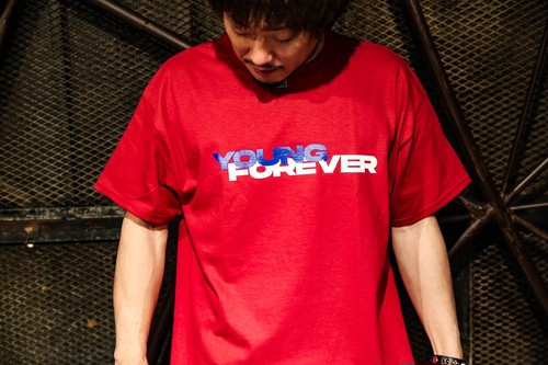 YOUNG FOREVER Tシャツ(赤)