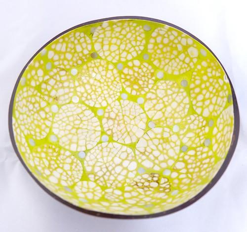 インテリアのアクセントに!天然素材使用のココナツボウル(黄緑・サークル)