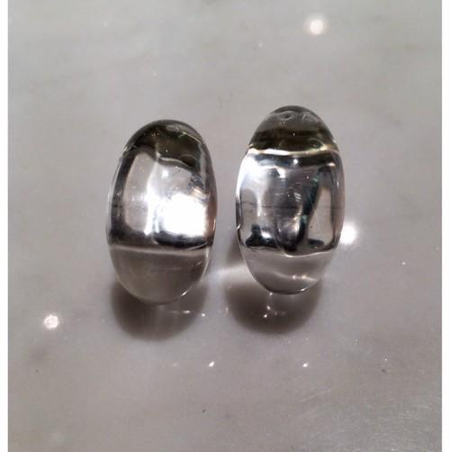 G型の水晶のイヤリング