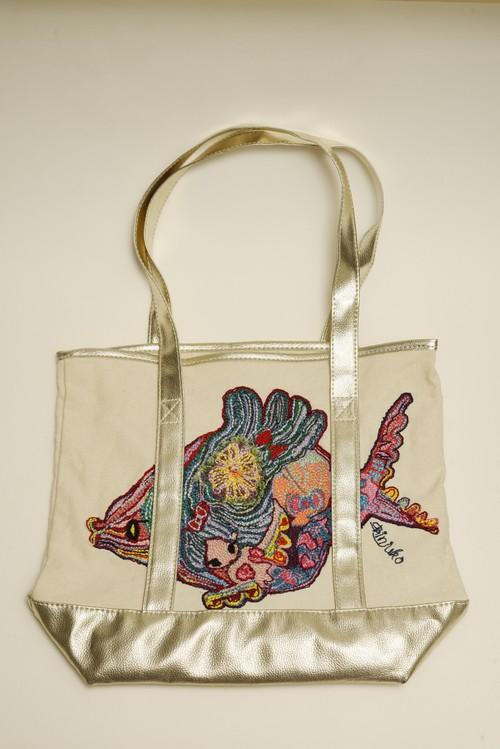 真珠子刺繍バッグ「金魚と共存する人魚」