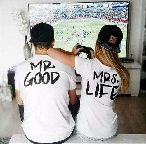 【送料無料】カップルTシャツ MR.GOOD and MRS.LIFE シャツ メンズ レデース おそろい セット ママ パパ