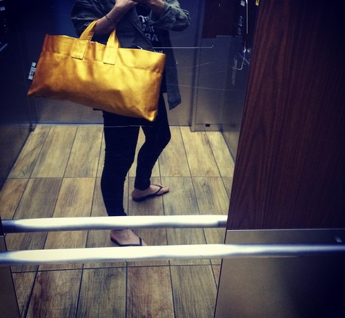 Painted Tote GD