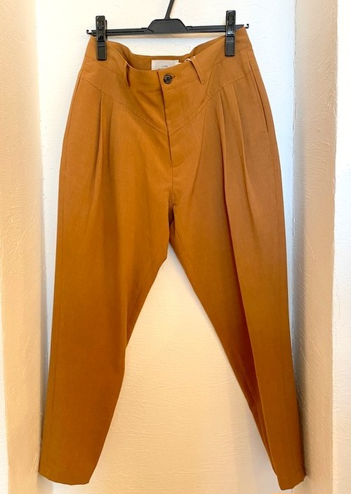 Reflax Tapererd Cropped Pants Camel