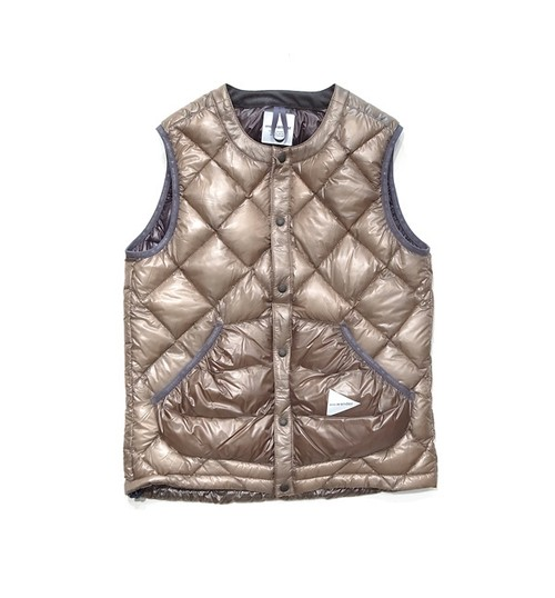 【and wander】diamond stitch down vest