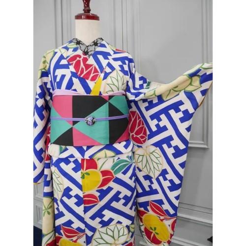 白地にブルー紗綾形と葵と橘アンティーク小紋キモノ 0226