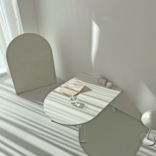 U holding table / 半楕円形 U字 折り畳み テーブル モノトーンインテリア 韓国 北欧 雑貨