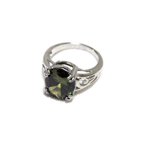 Jewelry ring green