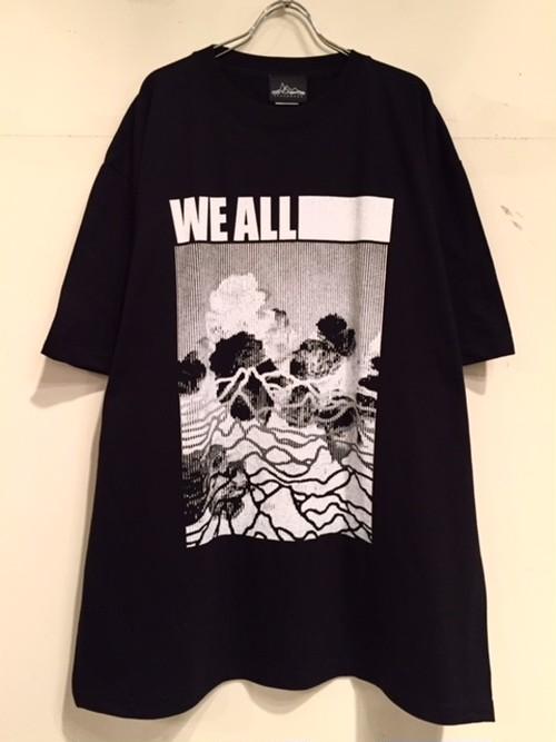 "【18016】S/S BIG Tee ""WE ALL …"" (BLACK)"