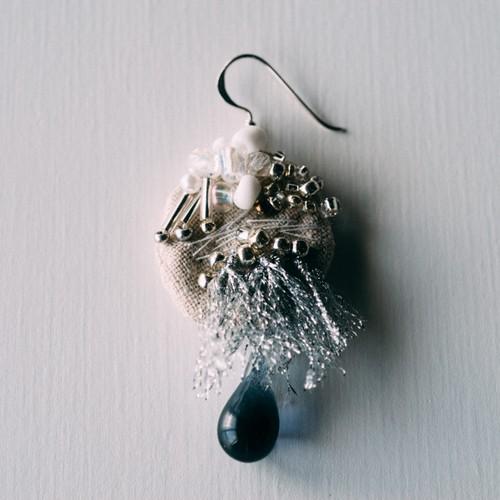 ピアス「銀の満月」no.19