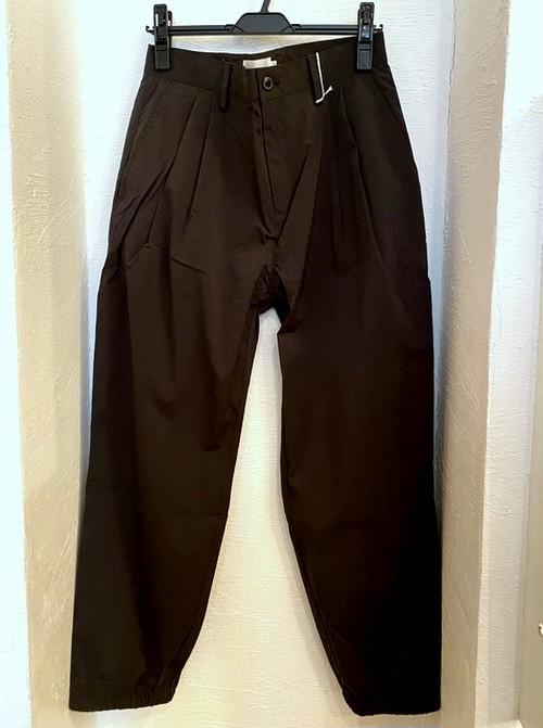 Stretch Nylon Shirring Tuck Pants Khaki