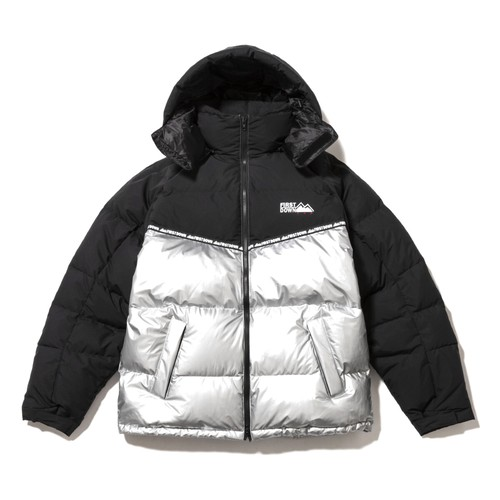 FIRST DOWN Hooded Down Coat BLACK × SILVER