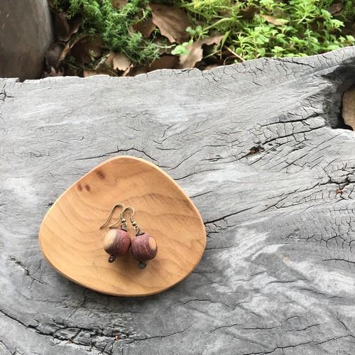 カリンの木のピアス  P1