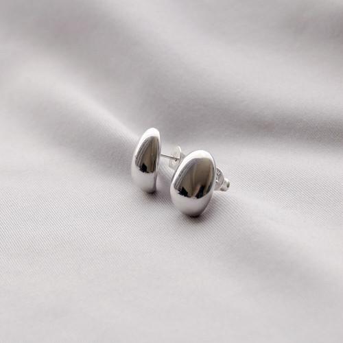 P105 / Symmetry pierce - silver (pair)
