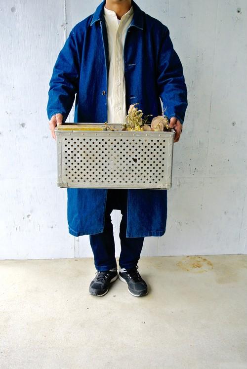 インダストリアルな収納ボックス[古道具]