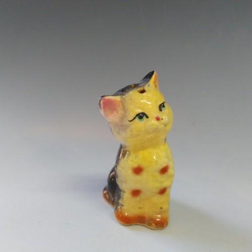 Yellow Cat 置物