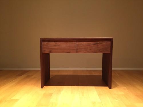 一生もの ウォルナット無垢材を使用した机