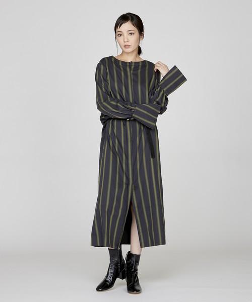 袖デザインストライプロングワンピース(ネイビー)