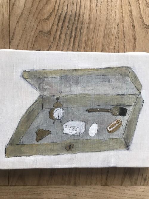 木箱にオブジェ 絵
