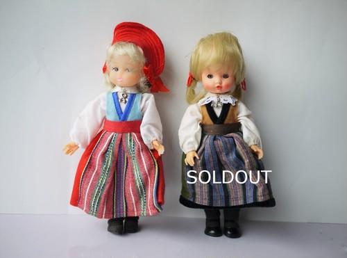 民族衣装を着たお人形 フォークロア 北欧