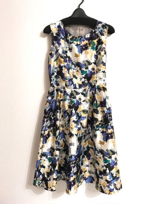 シャンタン素材風ノースリーブ花柄ワンピース ブルー