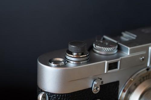 真鍮のレリーズボタン L ブラック