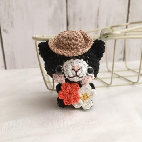 【受注生産】小花・黒猫さん・帽子・*鈴付きイヤホンジャックストラップ